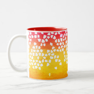 Rojo a la taza del mosaico amarillo