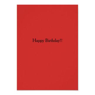 Rojo atento de la invitación del feliz cumpleaños