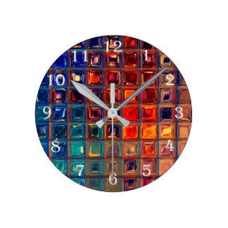 Rojo brillante intrépido del color primario de la reloj redondo mediano