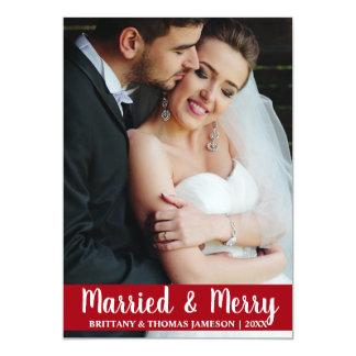 Rojo casado y feliz de la tarjeta de la foto del