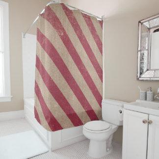 rojo de la cortina de ducha del invierno del