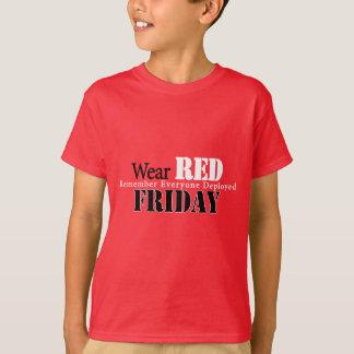 Rojo del desgaste el viernes camiseta