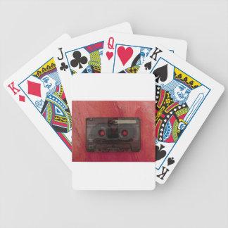 Rojo del vintage de la música de la cinta de baraja de cartas bicycle
