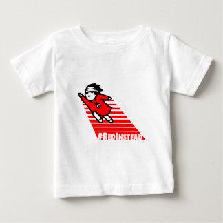 Rojo en lugar de otro camiseta de bebé