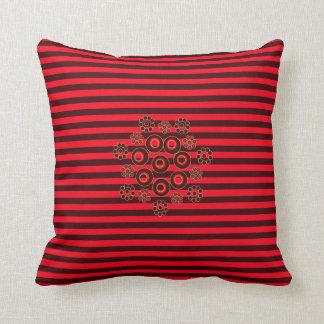 ¡Rojo y almohada cuadrada rayada del acento de