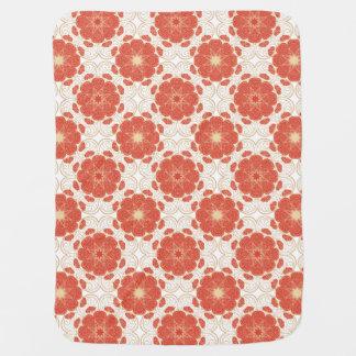 Rojo y modelo floral del cordón del oro mantitas para bebé
