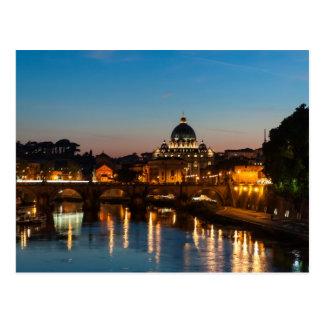 Roma en la puesta del sol de la postal el | St