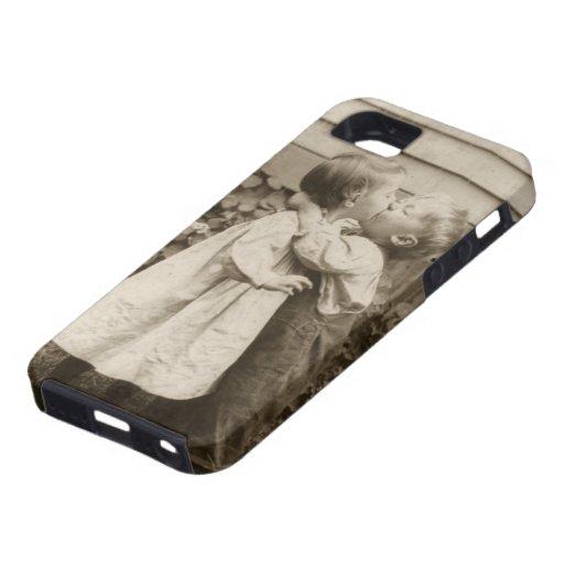 Romance del amor del vintage, niños que se besan,  iPhone 5 Case-Mate cárcasas