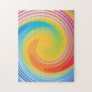 Rompecabezas colorido enrrollado