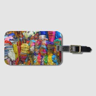 Ropa colorida de los gorras y de los deslizadores etiqueta para maletas