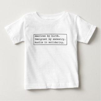 ropa ligera de la Musulmán-en-solidaridad Camiseta De Bebé