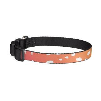 Rosa al cuello de perro manchado naranja collar para mascotas