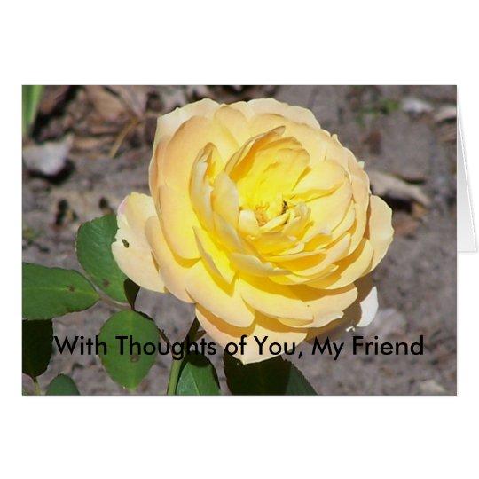 Rosa amarillo grande, con pensamientos de usted, tarjeta de felicitación