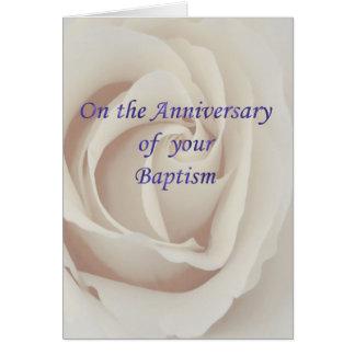 Rosa blanco del bautismo/del aniversario del tarjeta de felicitación