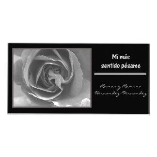 Rosa blanco del negro del espanol del pesame del s tarjetas personales con fotos