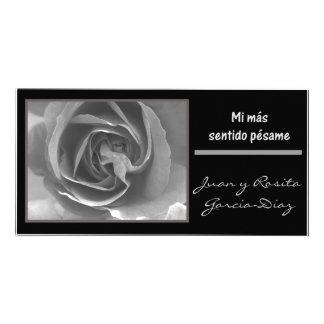 Rosa blanco del negro del espanol del pesame del tarjetas personales con fotos