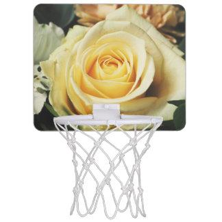 Rosa blanco encantador mini tablero de baloncesto
