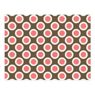 Rosa circundado retro de los puntos, de color topo postal