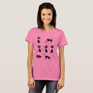 Rosa de la camiseta de las señoras con los gatos