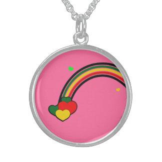 Rosa del collar del arco iris de Rasta de la plata