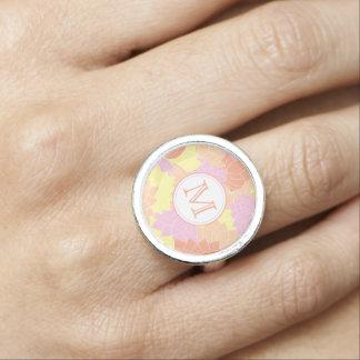 Rosa del monograma de la flor de anillo