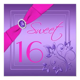 Rosa e invitación floral púrpura del dulce