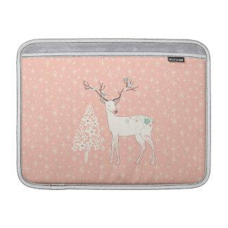 Rosa hermoso del reno y de los copos de nieve funda para MacBook air