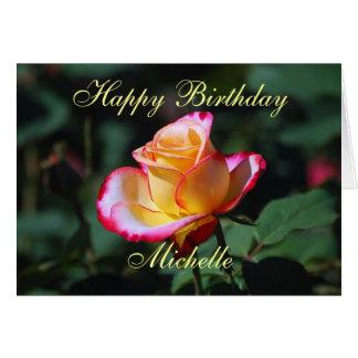 Rosa rojo, amarillo y blanco del feliz cumpleaños  felicitacion