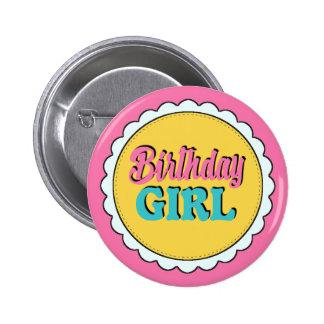 Rosa y chica del cumpleaños del trullo chapa redonda de 5 cm