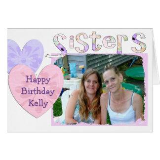 Rosa y tarjeta púrpura del feliz cumpleaños para