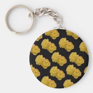 Rosas amarillos en el negro, _ llavero redondo tipo chapa