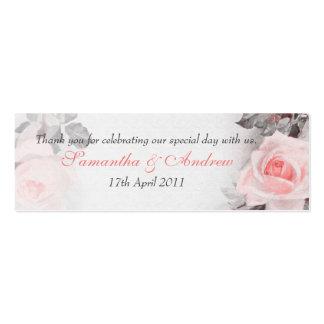 Rosas del vintage que casan etiquetas del favor tarjetas personales