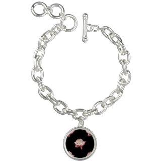 Rosas esmaltados rosa en negro pulsera