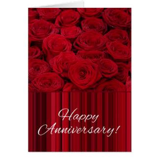 Rosas felices del aniversario tarjeta de felicitación