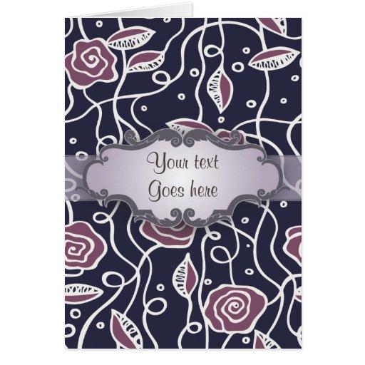 Rosas púrpuras del vitral con el letrero felicitacion