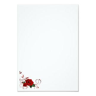 Rosas rojos de la tarjeta de la invitación del