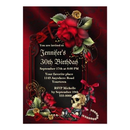 Rosas rojos y cumpleaños gótico del cráneo invitaciones personalizada
