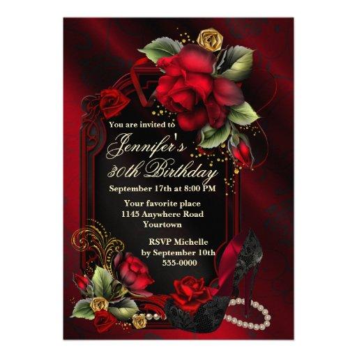 Rosas rojos y cumpleaños negro del adulto del zapa invitaciones personalizada
