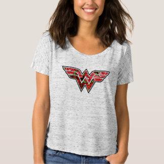 Rosas rojos y logotipo de la Mujer Maravilla de la Camiseta