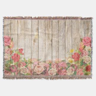 Rosas románticos rústicos del vintage de madera manta tejida