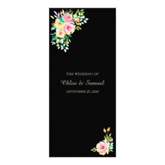 Rosas rosados del melocotón en programa negro del