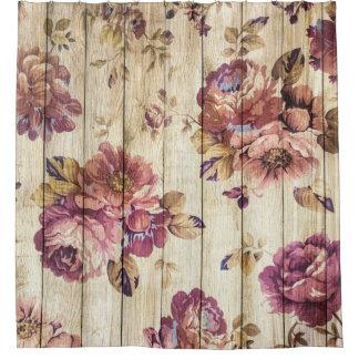 Rosas rosados del vintage en la cortina de ducha