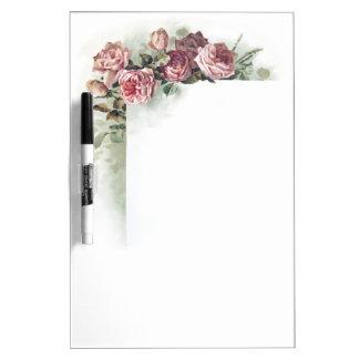 Rosas rosados del vintage pizarra blanca