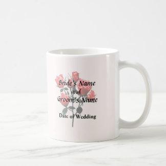 Rosas rosados oscuros del bebé taza de café