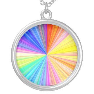 Rueda de la sombra del color - extremo del arco collar plateado