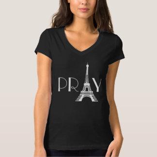 Ruegue para la torre Eiffel de París Camiseta