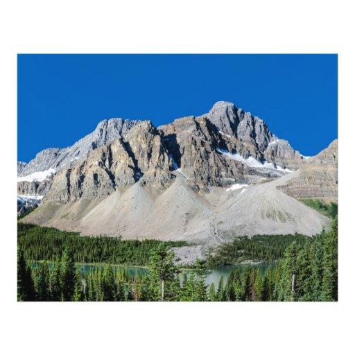 Ruta verde Alberta Canadá de Icefields del lago bo Tarjeta Publicitaria