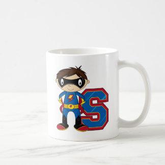 S está para el super héroe taza