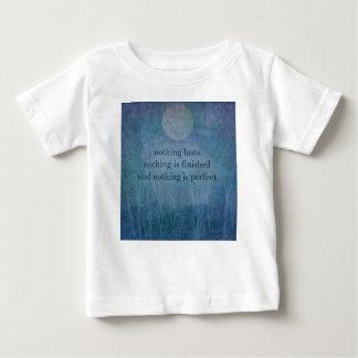 Sabi del wabi de la cita de la aceptación camiseta de bebé