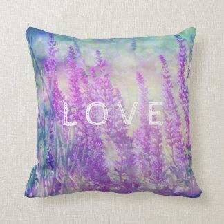"""Sabio hermoso en el jardín, almohada del """"amor"""""""